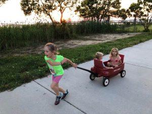 kids with wagon