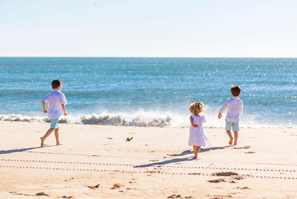 Brooke Mayo kids on beach