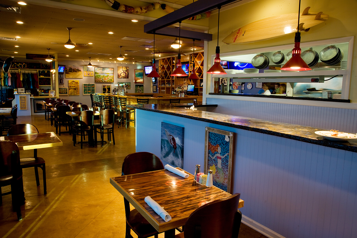 A Once In A Blue Moon OBX Dining Experience | Twiddy Blog