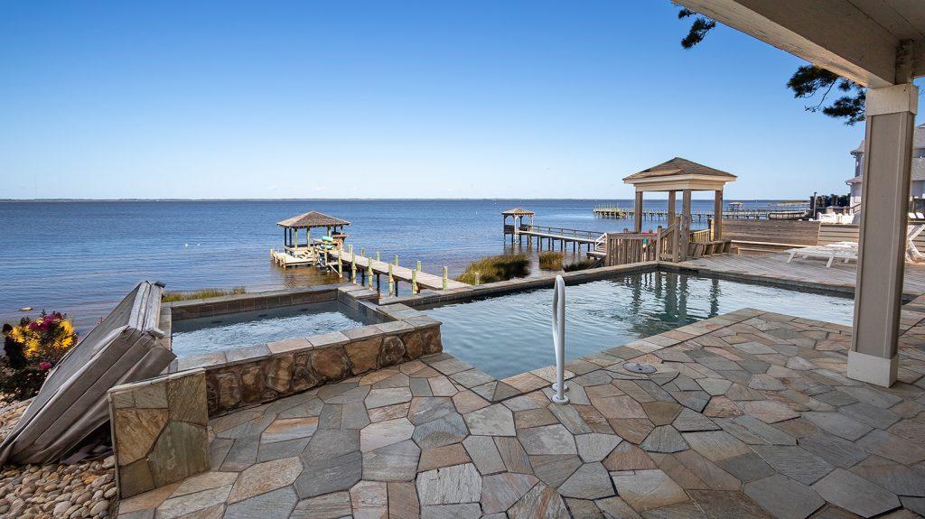BFS125 Pool View