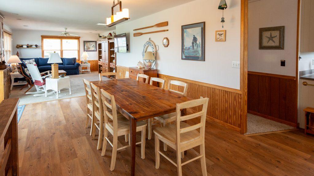 B907 Dining Area