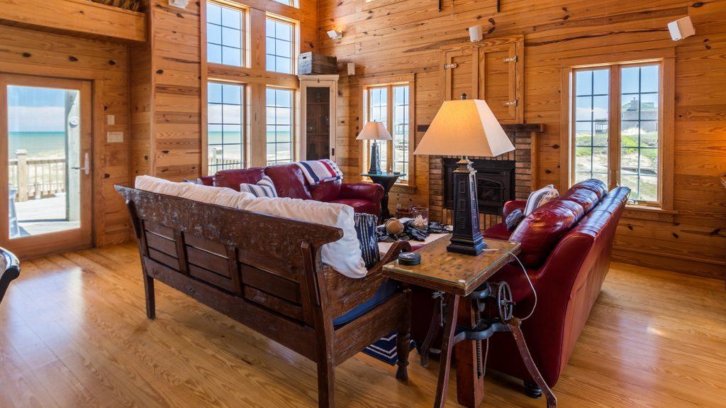 V12393 Living Area