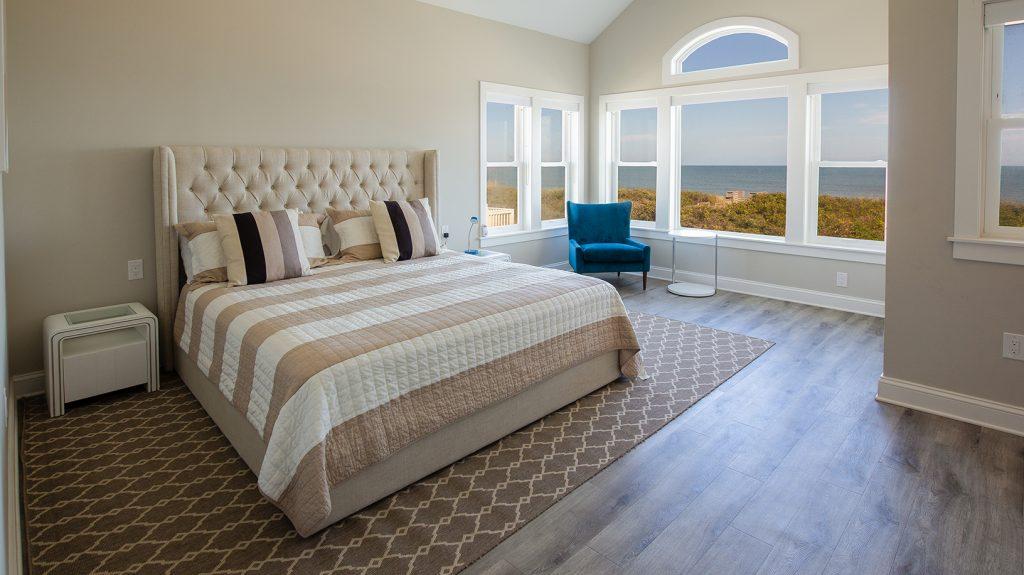 E196 clean bedroom