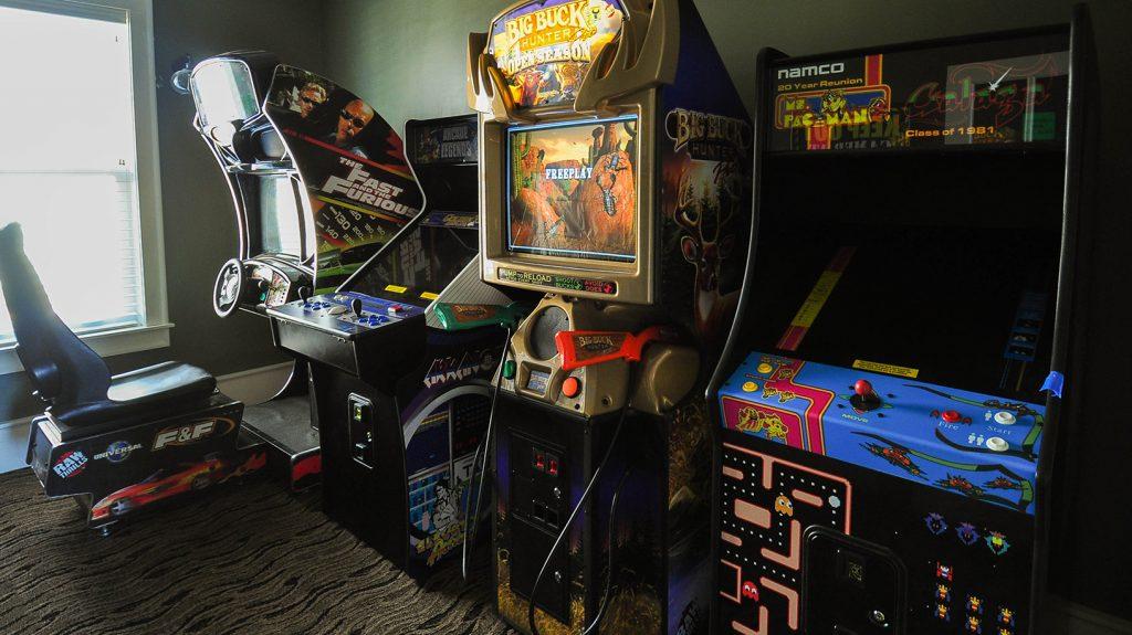 ER013 Arcade