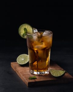 Duck and Stormy cocktail