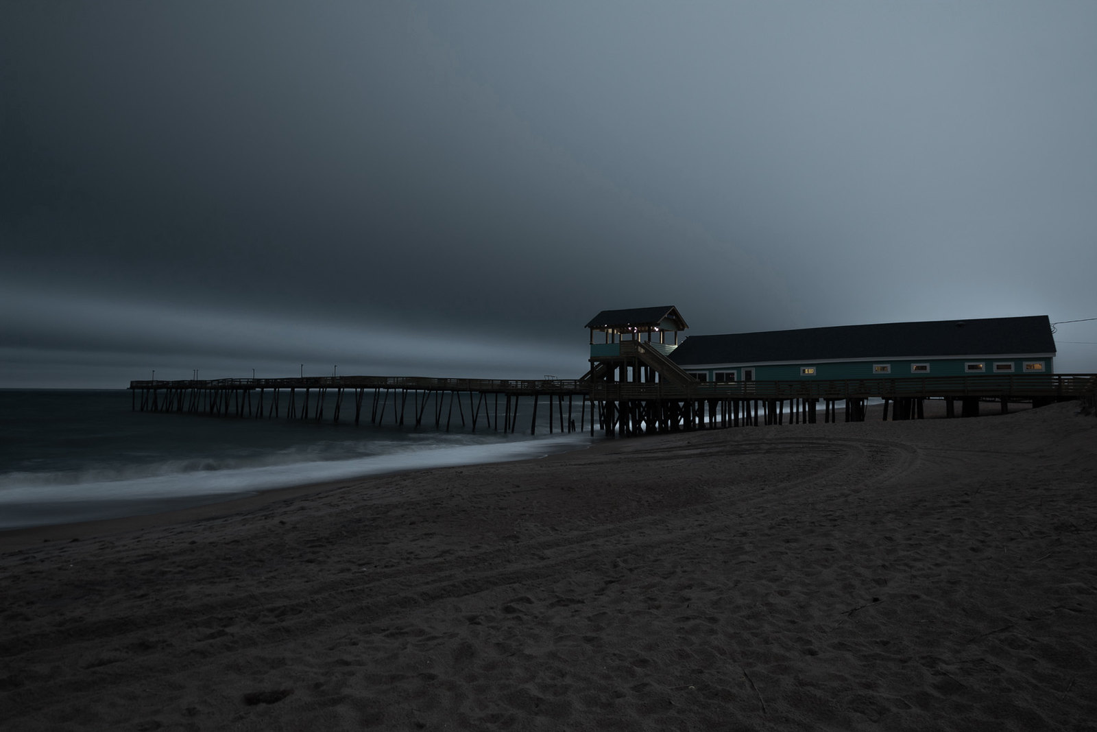 avalon pier ghost