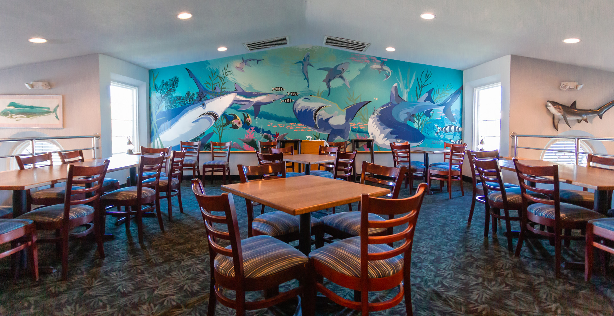 Mako's Restaurant: Fresh OBX Seafood and Much More