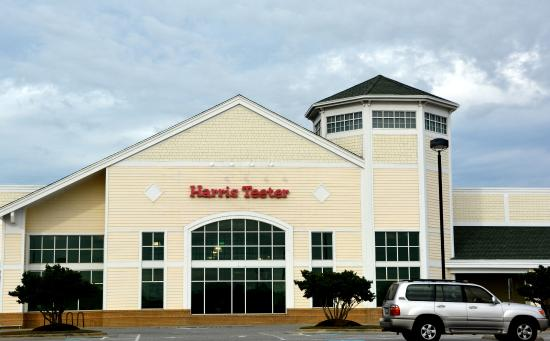Harris Teeter Kitty Hawk exterior