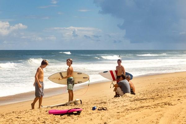 Surfing Boys